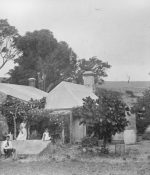 A woman and three children of Kelly family at Anacotilla Homestead